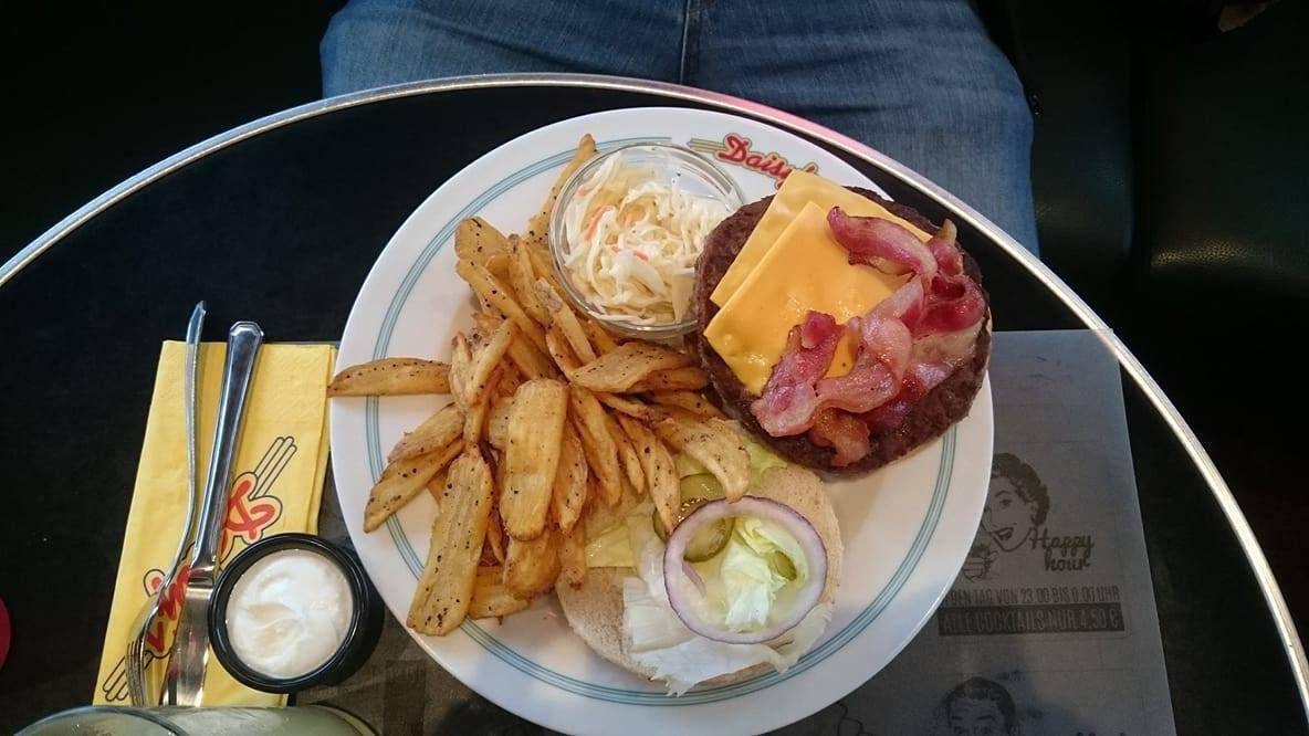 Daisy's Diner Burger (c) STADTBEKANNT