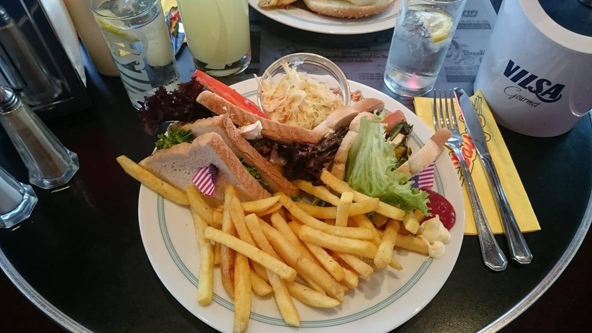 Daisy's Diner Sandwich (c) STADTBEKANNT